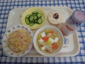 チャーハン・はんぺんスープ・きゅうり漬け ≪おやつ≫ 牛乳・おせんべい
