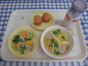 コッペパン・ミートボールスープ・スパゲティサラダ ≪おやつ≫ 牛乳・サーターアンダギー